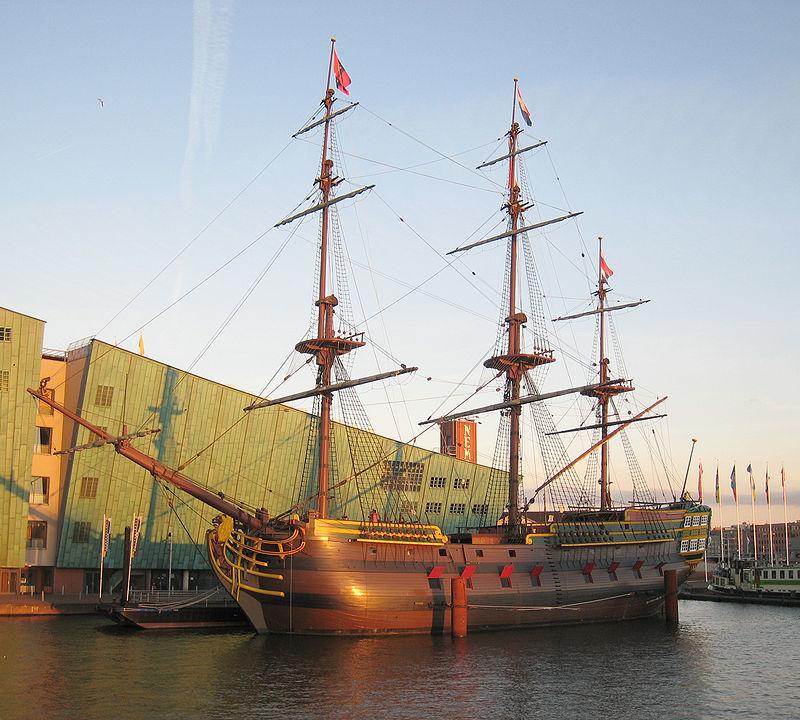 800px-VOC_ship_Amsterdam2